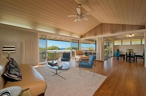 Simple neat home on the slopes of Diamond Head