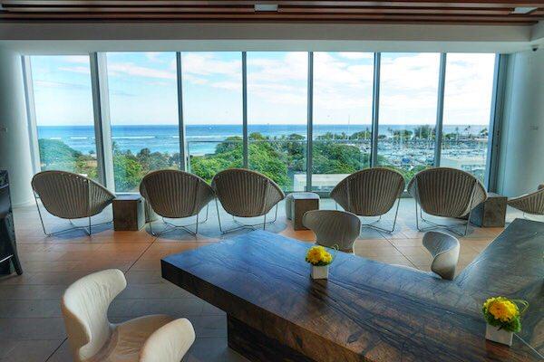 Waiea 500 sunset lounge - Hawaii House